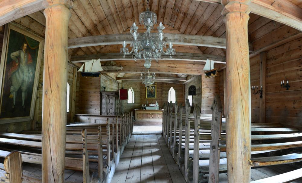 Ruhnu vana kirik